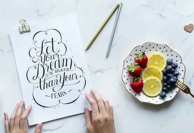 Self-publishing czy wydawnictwo? Jak zrealizować marzenie i wydać swoją książkę