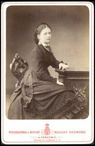 Portret nieznanej kobiety, ok. 1875, fot. Walery Rzewuski (źródło: polona.pl)